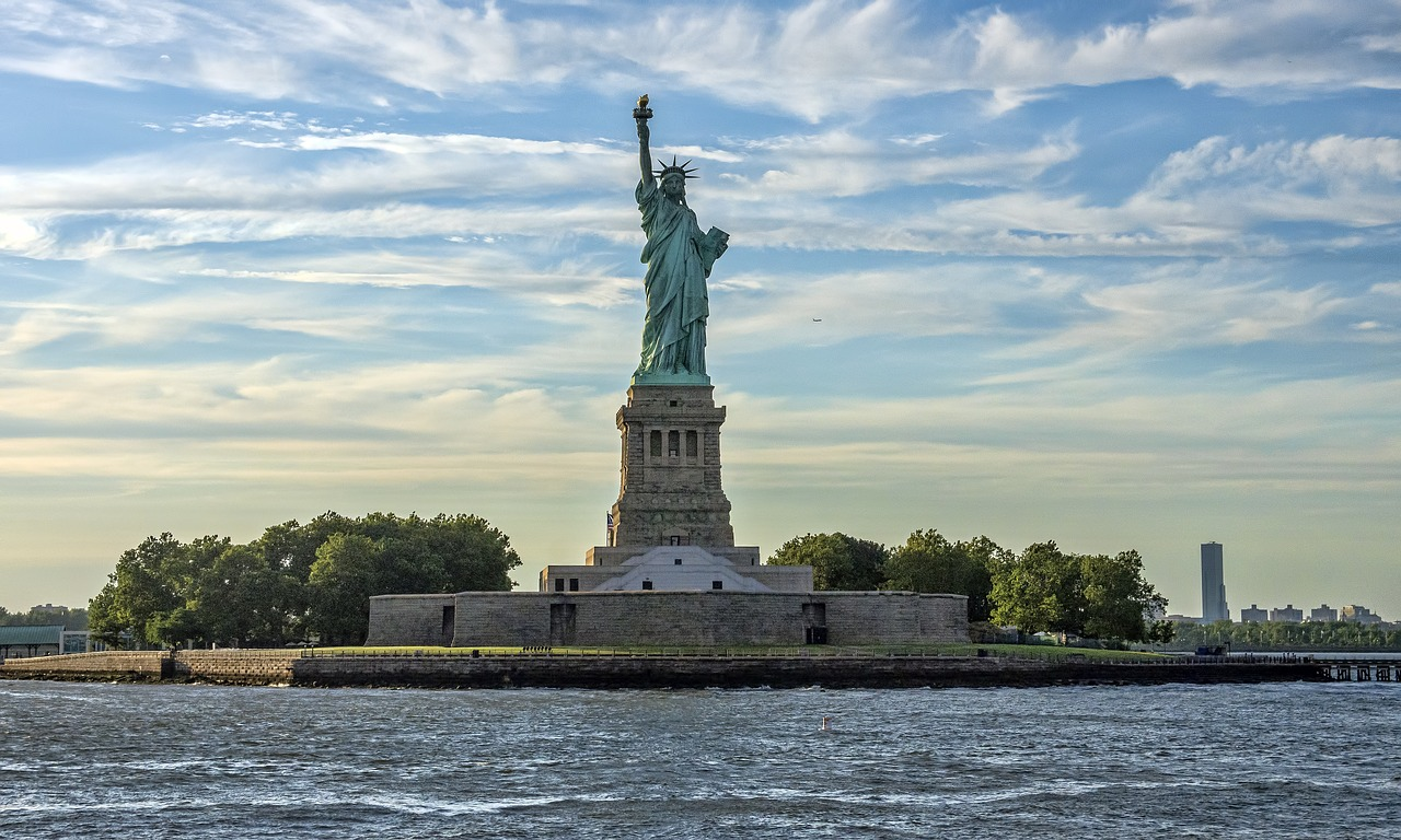 how to buy tickets for the statue of liberty