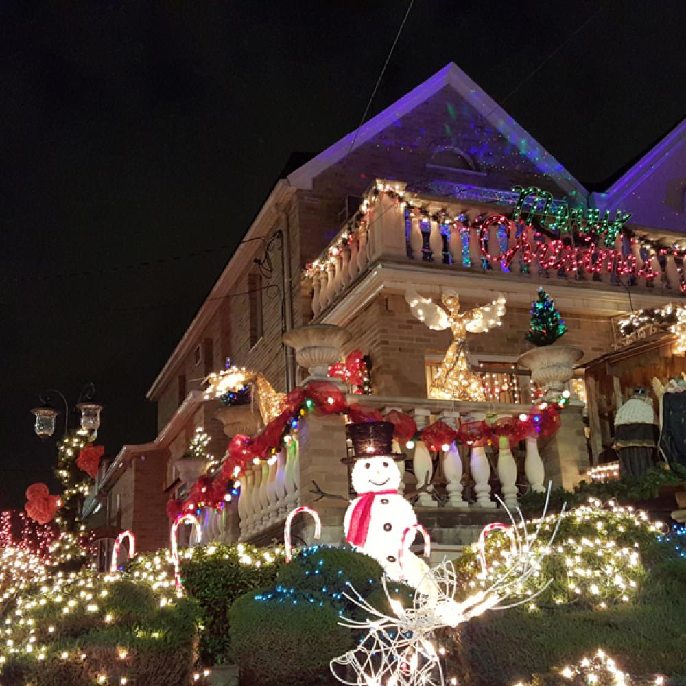 Dyker Heights Christmas Lights.Dyker Heights Christmas Lights To
